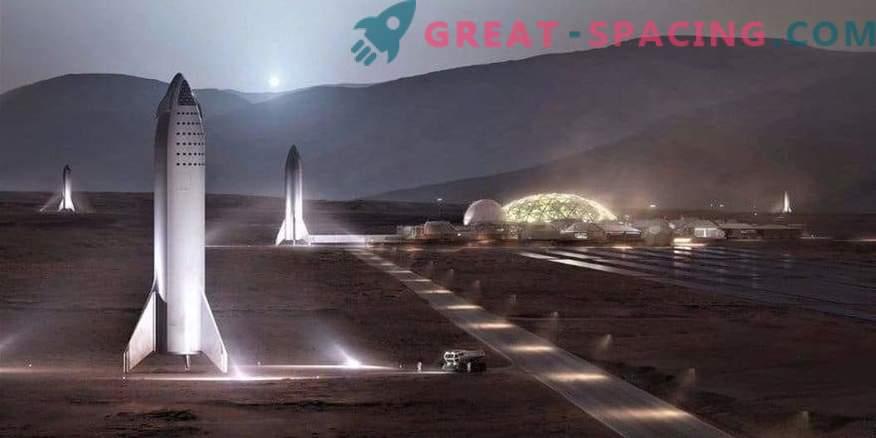 SpaceX bo zgradil mini verzijo rakete BFR