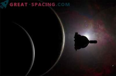 Plutonski sateliti razkrivajo skrivnosti in ogrožajo nevarnost