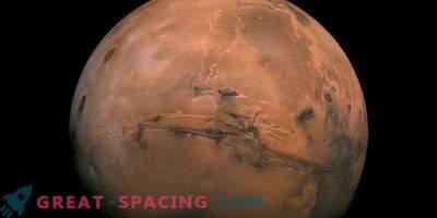 Roversi z lastnim pogonom, ki raziskujejo maroško puščavo za prihodnje Marsove študije