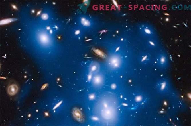 Hubble ujame modro svetlobo iz oddaljenih galaksij
