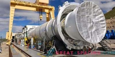 Največji raketni motor na trdo gorivo je pripravljen za prvo žganje