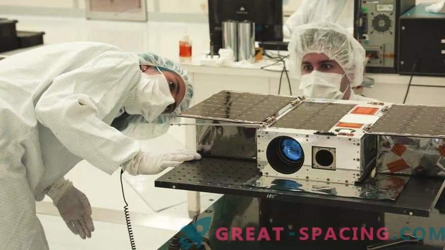 CubeSat je bil nameščen za astronomske namene.