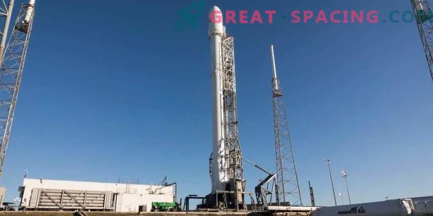 Prva uvedba pospeševalnika za večkratno uporabo SpaceX