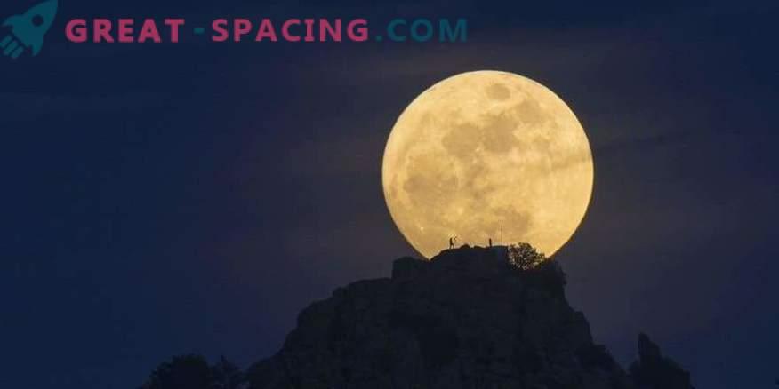 Luna bo prvič v 150 letih postala nenavadna barva.