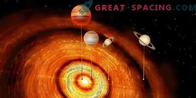 Velikanski planeti okoli mlade zvezde
