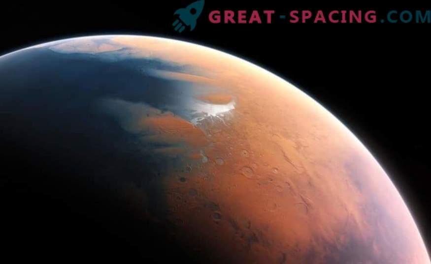 Življenje na Marsu: Ali lahko tuji mikrobi preživijo v solnih jezerih?
