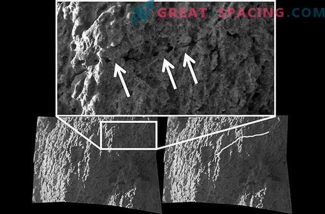 Kisla meglica raztopi kamnine na Marsu