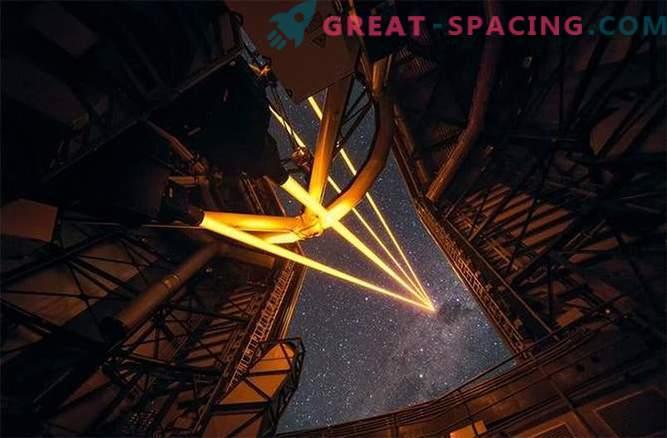 Zelo velik teleskop je osvetlil velik laserski sistem.