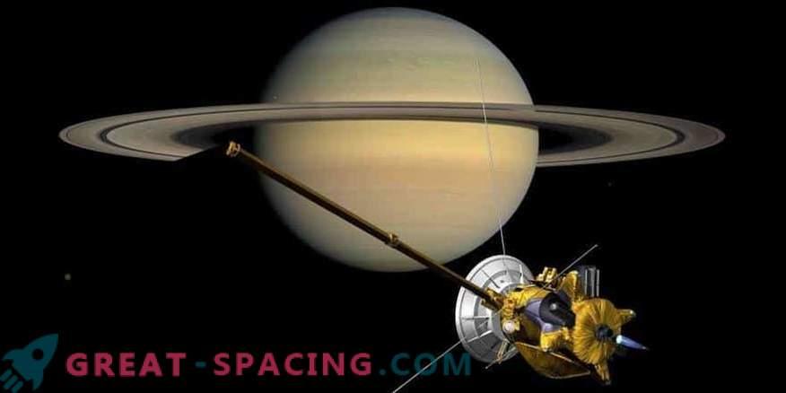Cassini nadaljuje do velike finale