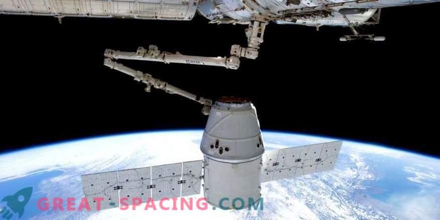 Prva ladijska posadka SpaceX ne bo letela pred letom 2019