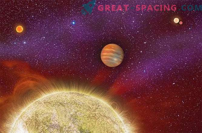 Masivni eksoplanet, ki izvira iz sistema štirih zvezdic