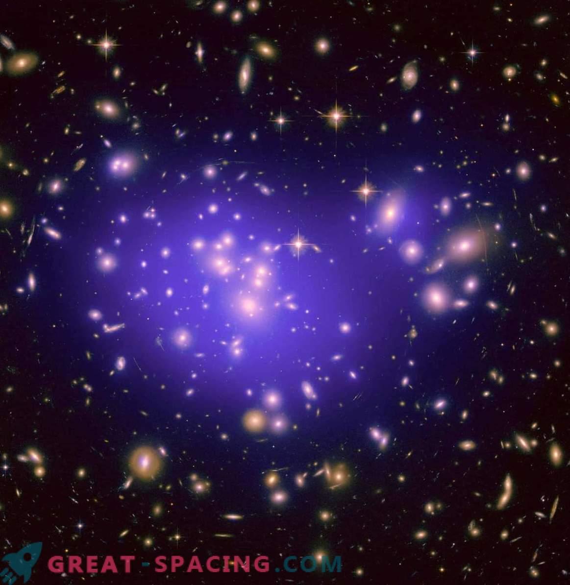 Kaj je bilo prej: galaksije ali črne luknje