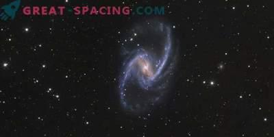 Tokovi rojstva zvezd in plinov v galaksiji NGC 1365