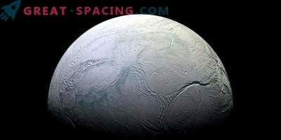 Plimovanje je lahko vir toplote na zaledenih satelitih