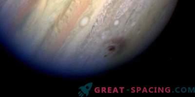Veliki vesoljski objekti pogosteje padejo na Jupiter, kot si mislite.
