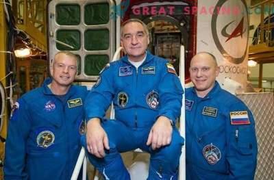 Ameriški in ruski astronavti: ali je diplomatska napetost možna v vesolju?