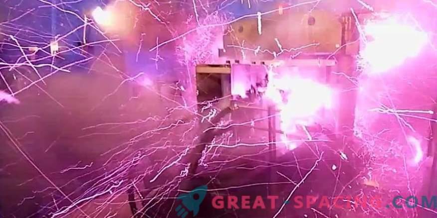 Eksplozija v laboratoriju! Znanstveniki so ustvarili močno notranje magnetno polje
