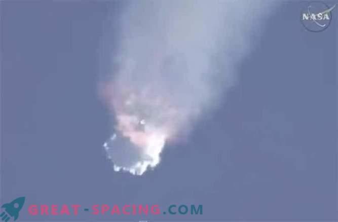 Raketna enota Falcon-9 je eksplodirala 2 minuti po zagonu