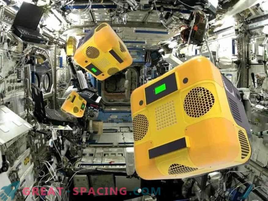 Kaj delajo robotski roboti na orbitalni postaji?