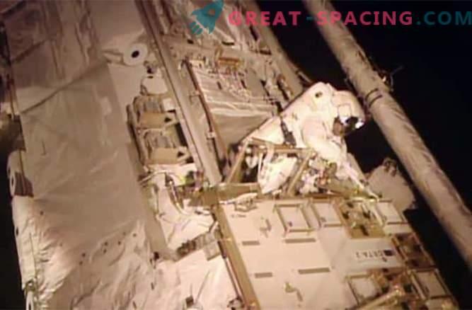 Astronavti so se uspešno spopadli s uhajanjem strupenega amonijaka