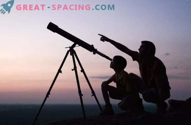 Kaj lahko vidimo z domačim teleskopom