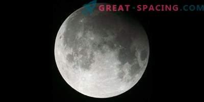 Comet, lunarni mrk in snežna luna čez noč!
