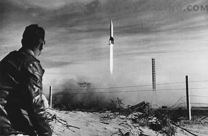 V-2: raketa, ki jo je vodil fašistični nemški vojaški stroj