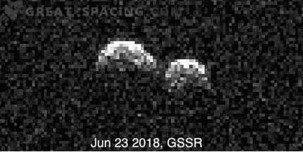 Observatoriji se združujejo za preučevanje redkih dvojnih asteroidov