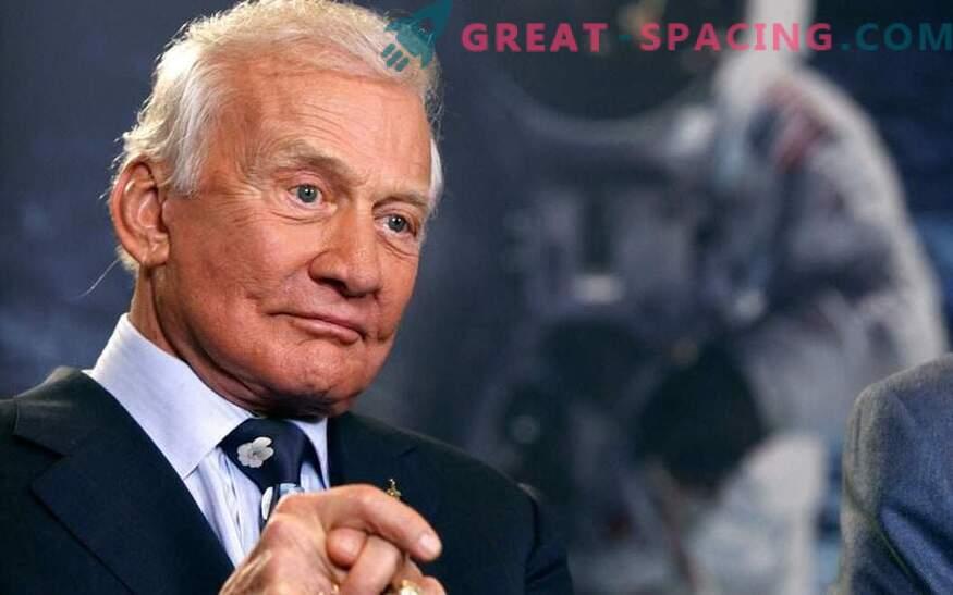 Lahka plovila. Kaj je videla Buzz Aldrin