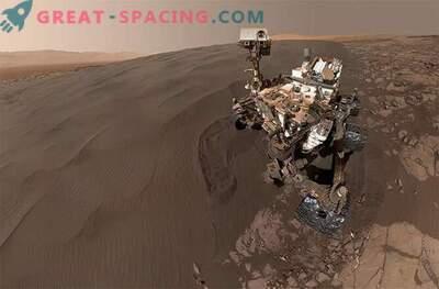Selfies v peskovniku! Radovednost igra v peščenih sipinah na Marsu