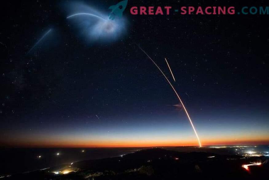 Generiranje majhnih raket se sprosti v vesolje.