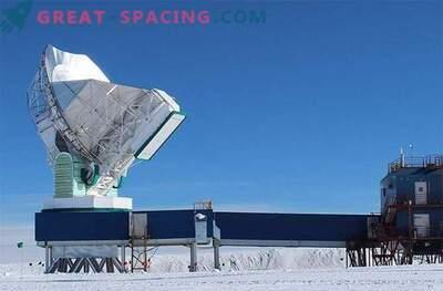 Un telescopio virtual se está preparando para tomar una foto de un anillo de fuego en un agujero negro